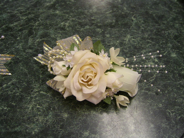 Wedding Flowers And Corsages : Corsages